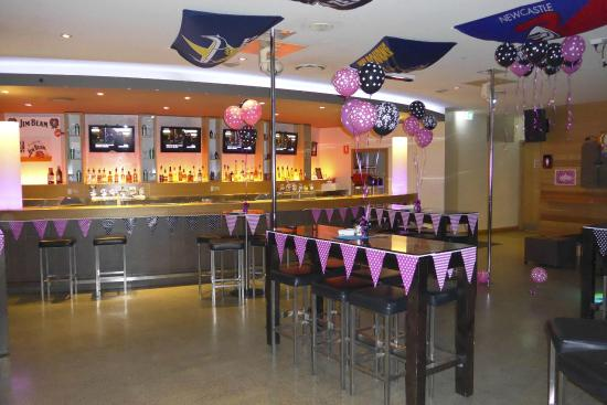 Mermaid Waters, Australia: Sports bar space available for private functions