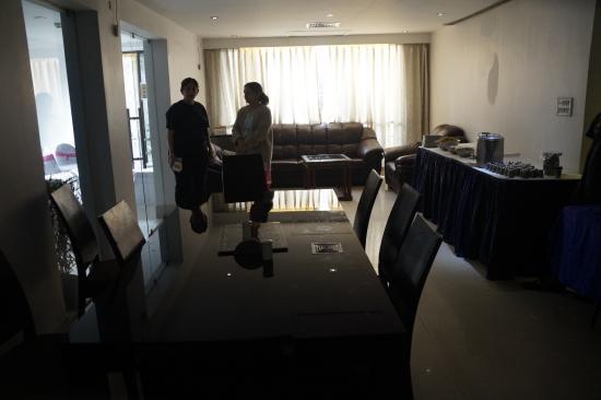 1 Lovelock: Dining area