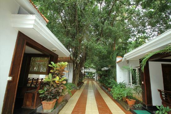 Rajapark Beach Resort: Hotel Grounds