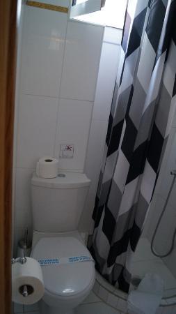 Acropolis Ami Boutique Hotel: ванная
