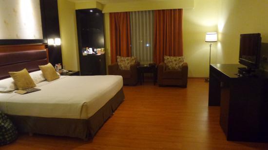 Garden Permata Hotel: Deluxe Suite room