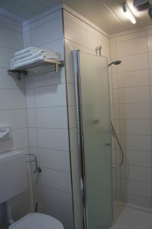 Gruner Anger: bathroom