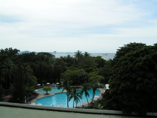 Montien Hotel Pattaya: Вид с балкона