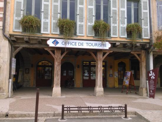 Boutique de l 39 office de tourisme lors du festival jazz in marciac picture of office de - Office du tourisme d aurillac ...