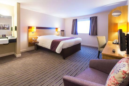 Premier inn portsmouth port solent hotel updated 2017 for Premier inn family room