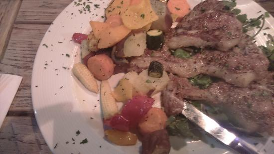 Rabbit in the Moon: yummy lamb chops & veggies