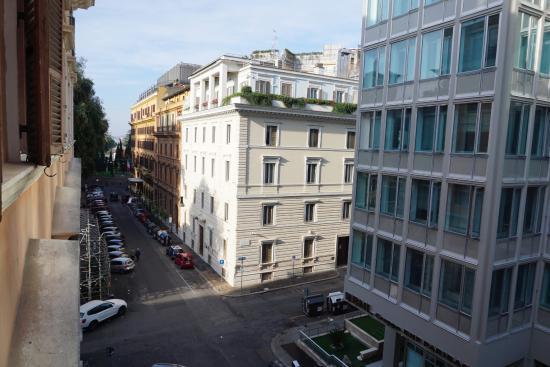 Il Piccolo di Piazza di Spagna: Vista desde la habitación