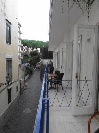 Hotel Mignon Meuble: Small balcony looks down on Via Sersale