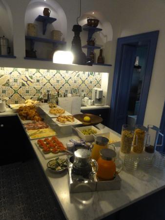 Hotel Mignon Meuble: Breakfast