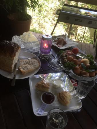 Hunchy Hideaway: breakfast