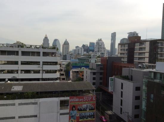 The Heritage Bangkok: Вид с крыши бассейна 9 этаж