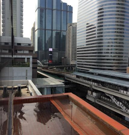 The Heritage Bangkok: Бассейн 9 этаж