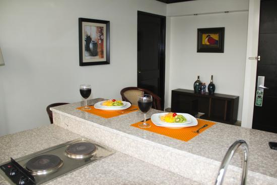 AZ Hotel & Suites: Cocineta de las Jr. Suites
