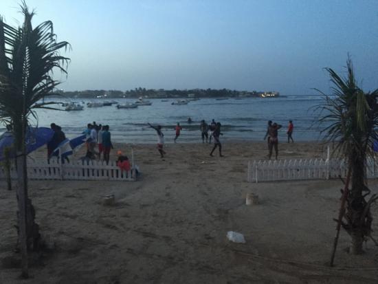 La Madrague Ngor : petite plage privative de l'Hôtel. Le soir on peut apercevoir des pélicans