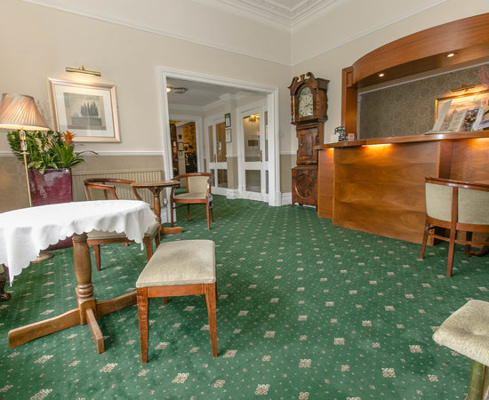 Wheatlands lodge hotel york reviews photos price for Cabin hotel new york