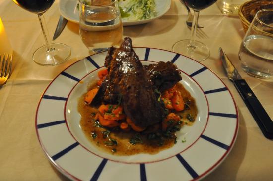 Au Bascou: Veal with Orange Carrots