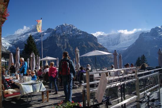 Grindelwald, سويسرا: Restaurant at the cable car station at Bolt