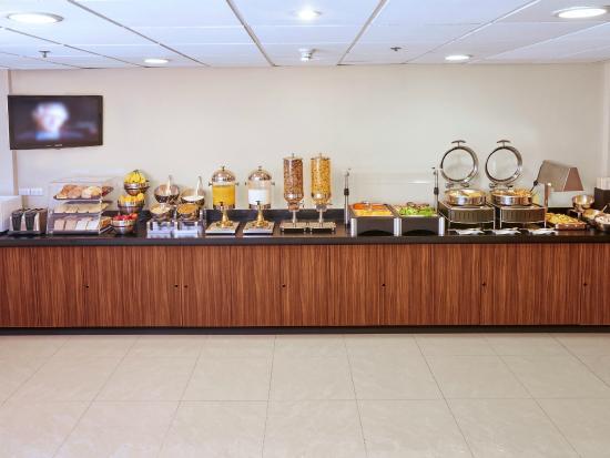 City Express Queretaro: Desayuno