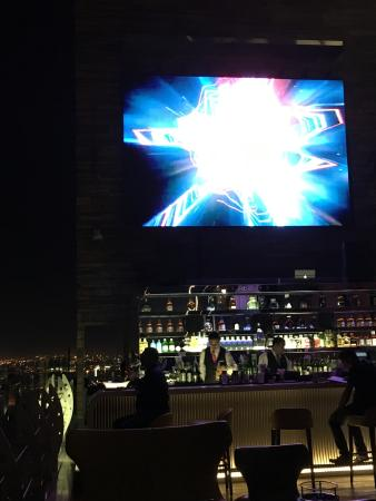 La Cigale Hotel: sky view roof top bar