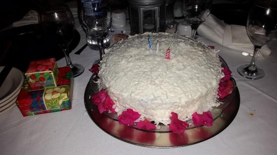Villa Capri: Delicious, homemade, (from Scratch) Birthday cake