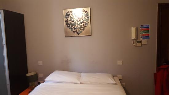 Hyde Park Suites Serviced Apartments: Room