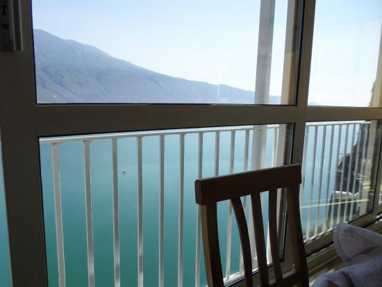vista dall\'interno - Picture of Terrazza del Brivido, Tremosine ...