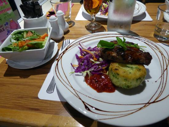 Auckland Rose Park Hotel: Evening meal