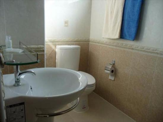 Crystal Clear Thailand: Ванная комната в номере отеля