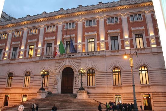 Palacio foto di palazzo di montecitorio sede della for Roma parlamento