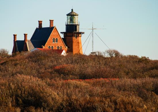 Island Manor Resort: SE Lighthouse at sunrise