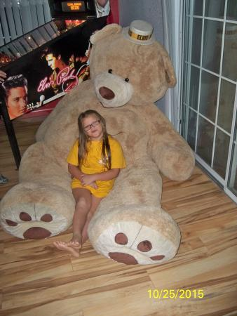 Kirbyville, MO: Elizabeth resting in the big bear