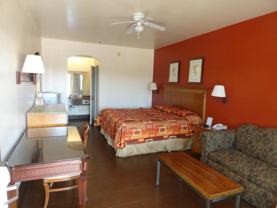 Americas Best Value Inn Brownsville/Padre Island Highway: Room with 1 Bed