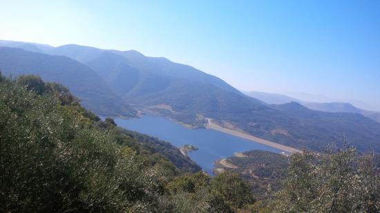 Avdou, Yunani: One spectacular view of the man made lake