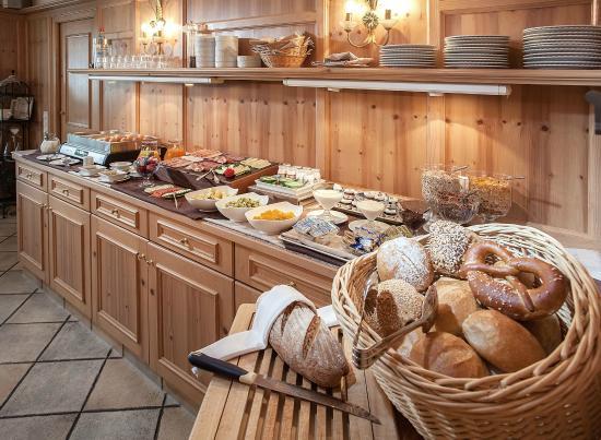 Kirchheim bei Munich, Alemania: Frühstücksbuffet