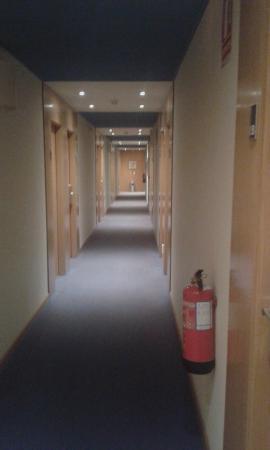 Hotel NR Noain - Pamplona: pasillo