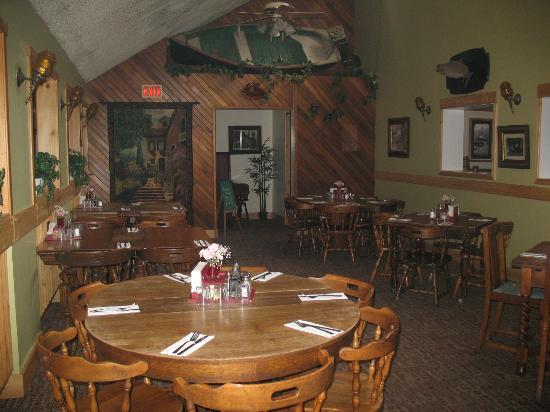 J B's Pub & Restaurant : Family Dining