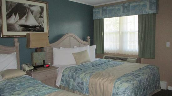 Pier 7 Condominiums: 2 Queen size beds
