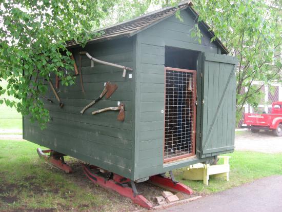 Grande Prairie Museum: An early mobile home