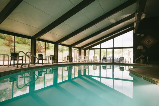 Gorham, Nueva Hampshire: Wonderful pool with hot tub, sauna and steamroom