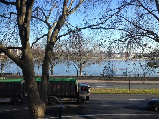 Hotel Allegro : The Rhine!!