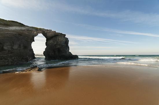 playa de las catedrales cuevas