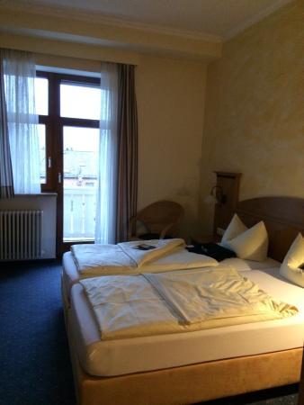Photo of Hotel Vier Jahreszeiten Garmisch-Partenkirchen