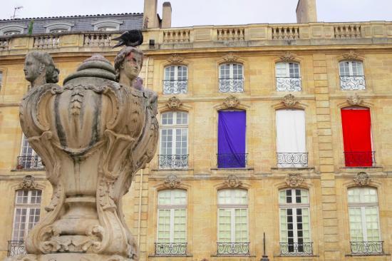 Bleu Blanc Rouge - Picture of Une Chambre Chez Dupont ...