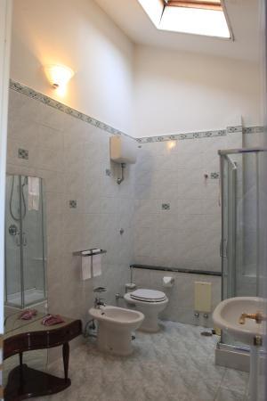 Bed&Breakfast Villa Quaranta: Camera Azzurra/Turchese - Bagno