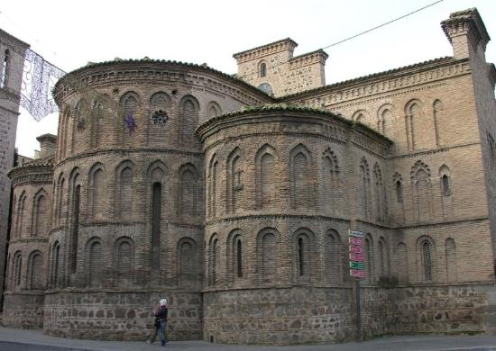 Puerta lateral - Picture of Iglesia de Santiago del ...