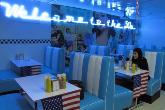 Loys American Diner