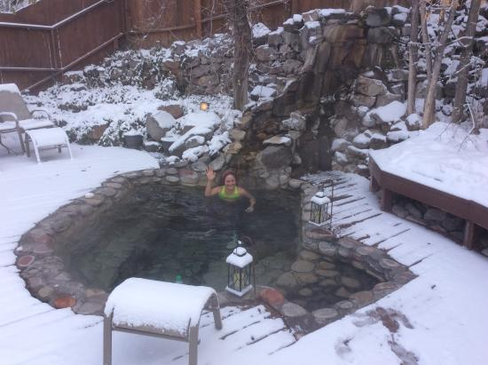 "Wiesbaden Hot Springs Spa & Lodgings: Lorelai springs with the wife--19 degrees and 1"" + snow"