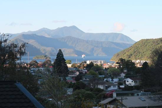 Sounds Vista Bed & Breakfast: Blick vom B&B Richtung Picton