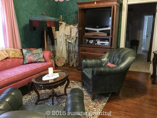 Chantilly Lace Inn: Update to Rannon's Nest