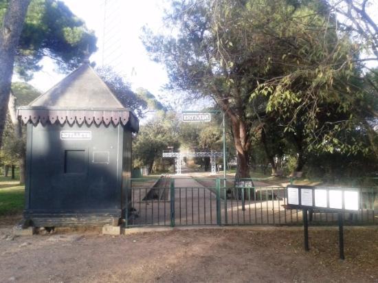 Palau-Solita  i Plegamans, สเปน: Entrada estación